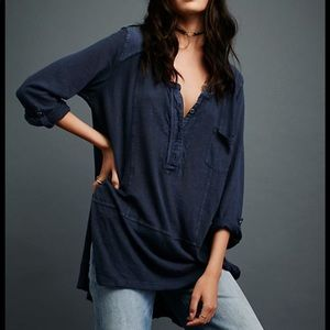 ✨FREE PEOPLE✨ 3/4 sleeve button down Henley